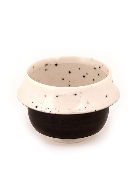 Handmade porcelain yunomi/tea bowl/cup by Bianka Groves