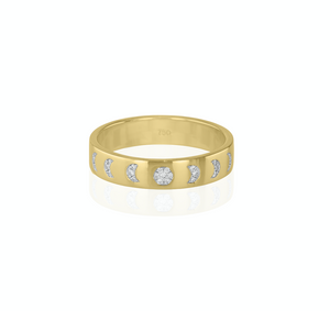Moon phase ring- white diamonds