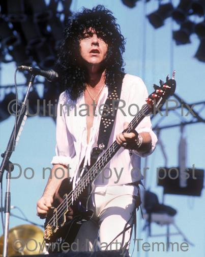 Photos of Jimmy Bain of Dio in Concert in 1986 by Marty Temme