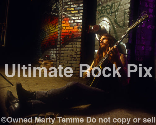 Photo of Scott Weinrich of The Obsessed with his Les Paul during a photo shoot in 1994 by Marty Temme