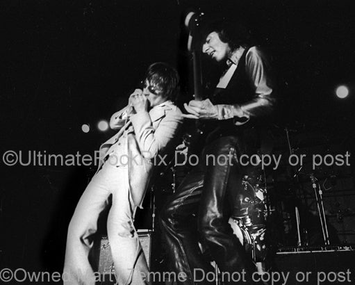 Photo of Southside Johnny and Steven Van Zandt of Southside Johnny and the Asbury Jukes in 1977 by Marty Temme