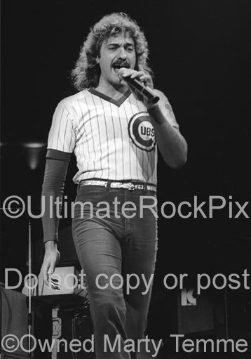Black and white photo of Dennis DeYoung of Styx in concert in 1979 by Marty Temme