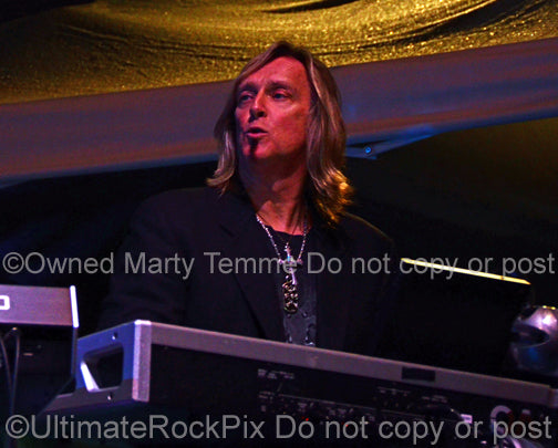 Photo of keyboardist Scott Warren in concert in 2013 by Marty Temme
