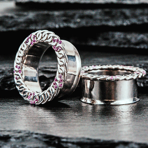 Plugs in white gold plated silver with pink sappphires