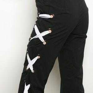 BLACK PANTS WITH LACE UP DETAIL | MODA ME COUTURE