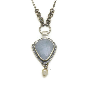 Aquamarine necklace with natural Tahitian pearl
