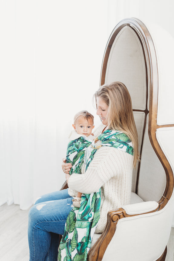 Banana leaf tropically printed linen ring slings.  Babycarriers handmade in Toronto, Canada for stylish babywearing moms.