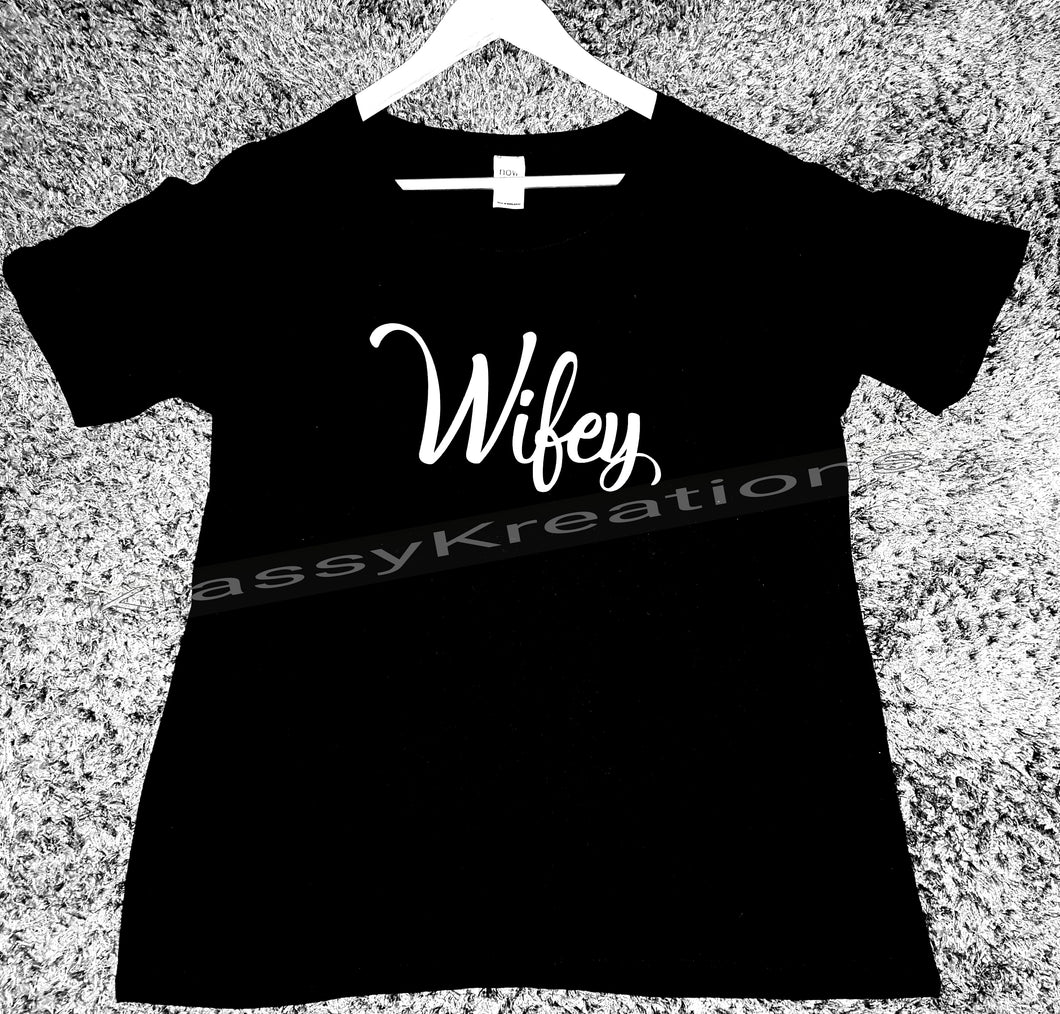 WIFEY tee tshirt comes in black