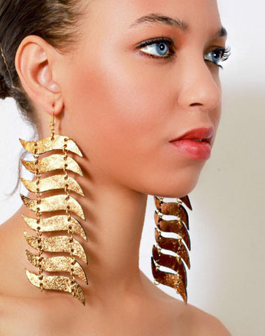 Kahina Wave Drop Earrings