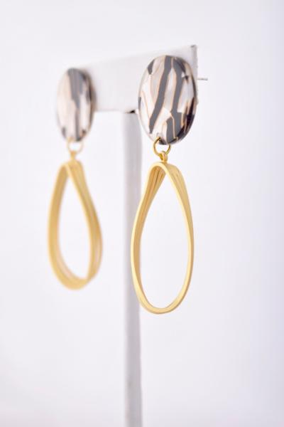 Kimberly - black and gold resin earring with gold twist dangle