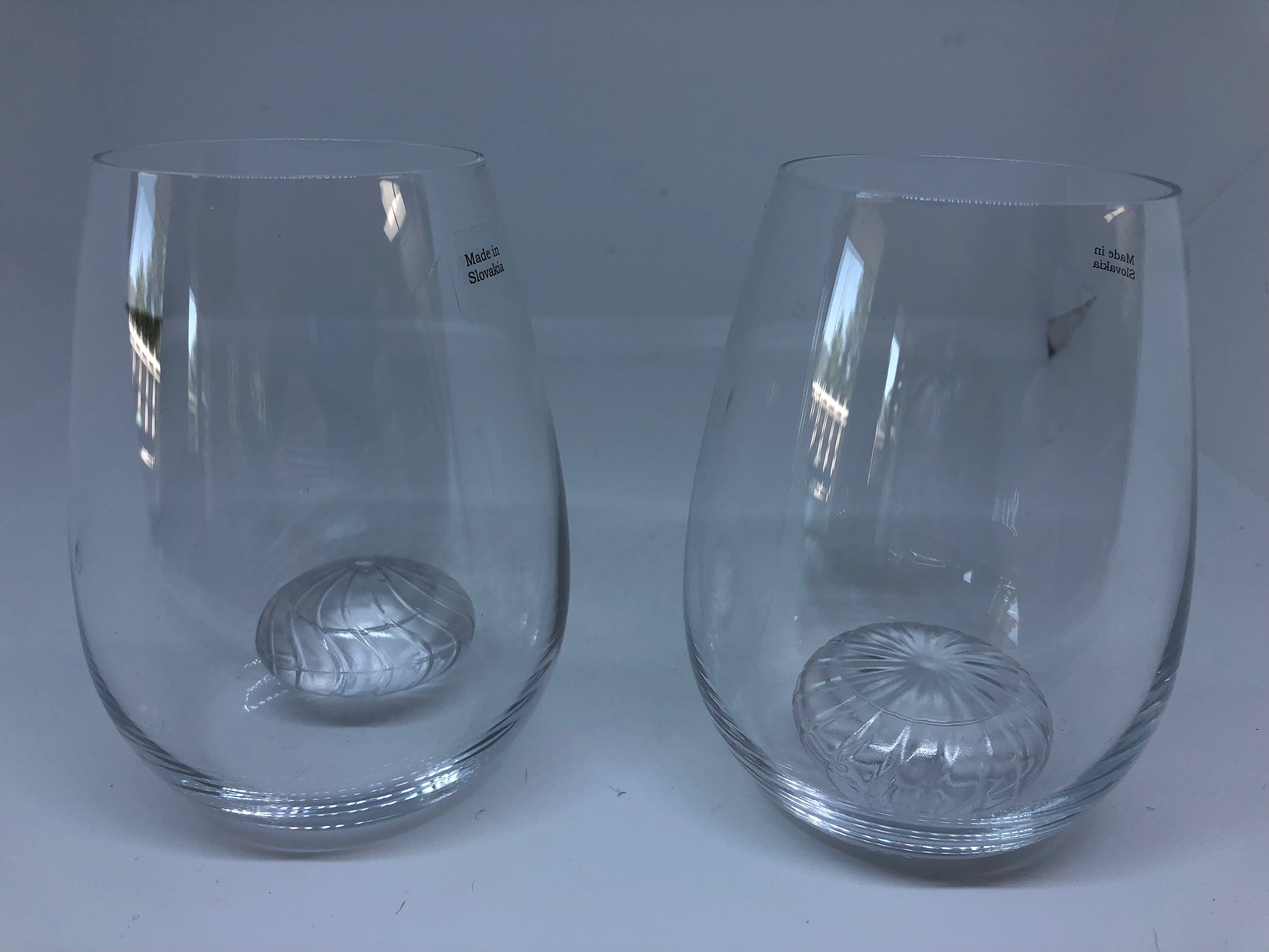 Two Wine Glasses with Twirls Chillers