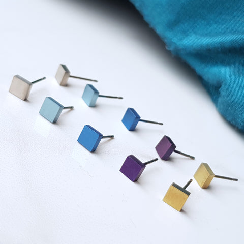 products/Titanium_square_stud_earrings_1.jpg