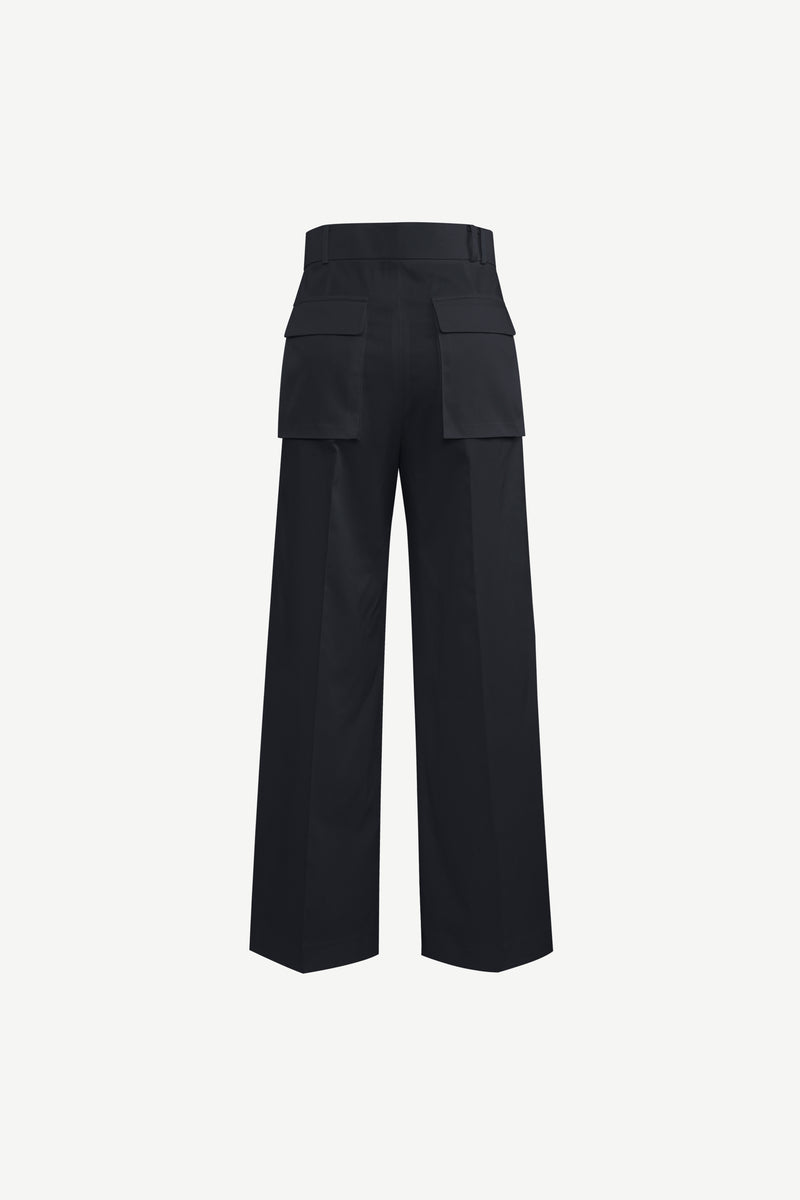Double cargo pockets single pleat trousers in navy