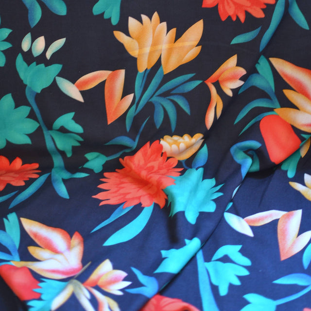 Large Scale Tropical Rayon Challis – 1/2 yard