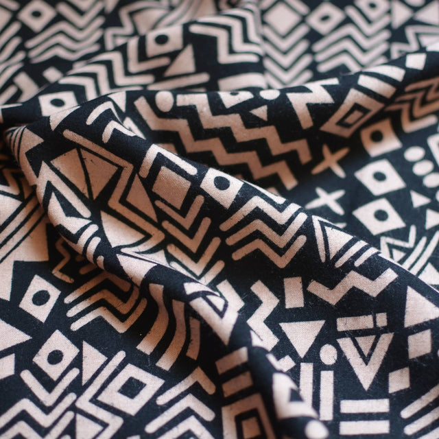 Black & Tan – Geometric Rayon Challis – 1/2 yard