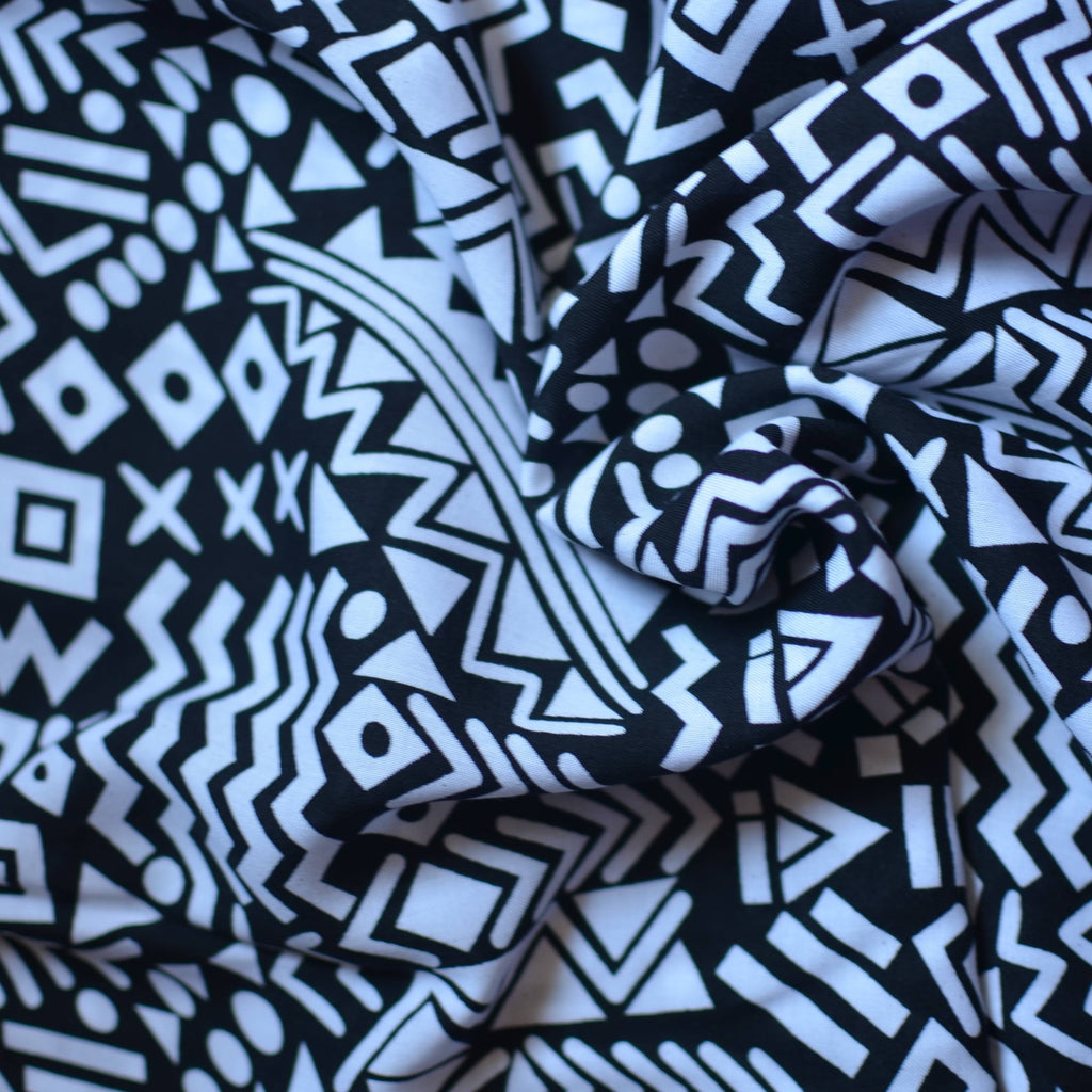 Black & White – Geometric Rayon Challis – 1/2 yard