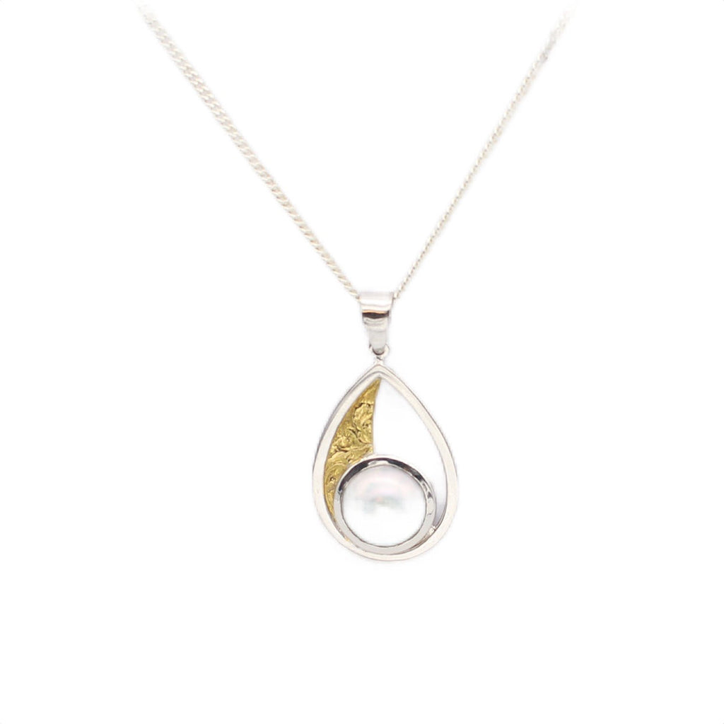 Broom Mabe Pearl 18ct Yellow and White Gold