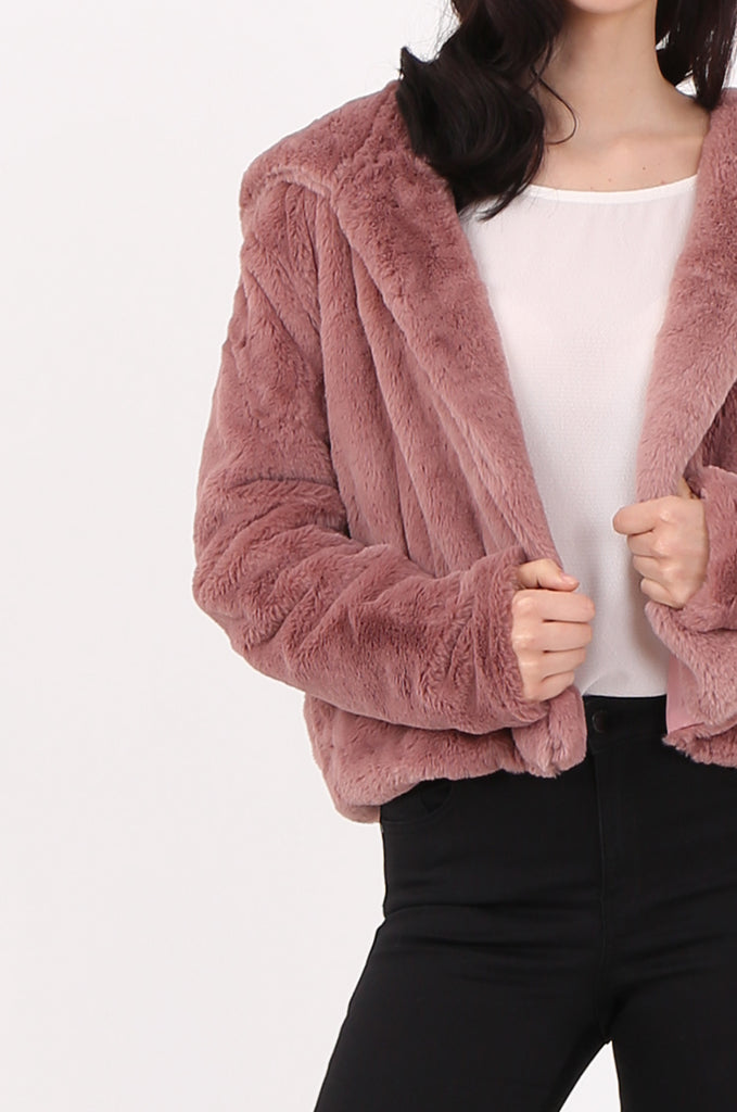 SJ2545-PINK HOODED FAUX FUR CROPPED JACKET view 5