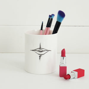 XL 'Pout' Makeup Brush Pot