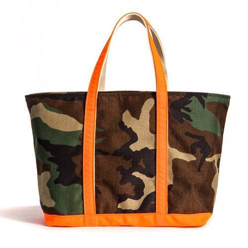 CAMO AND ORANGE TOTE WITH INSERT
