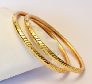 Classic bangle with shiny cuts - Bangle by Shrayathi
