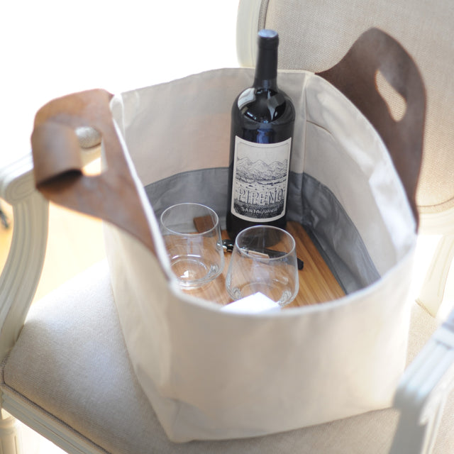 Eva Signature Food & Picnic Tote, Large, with cutting board and wine