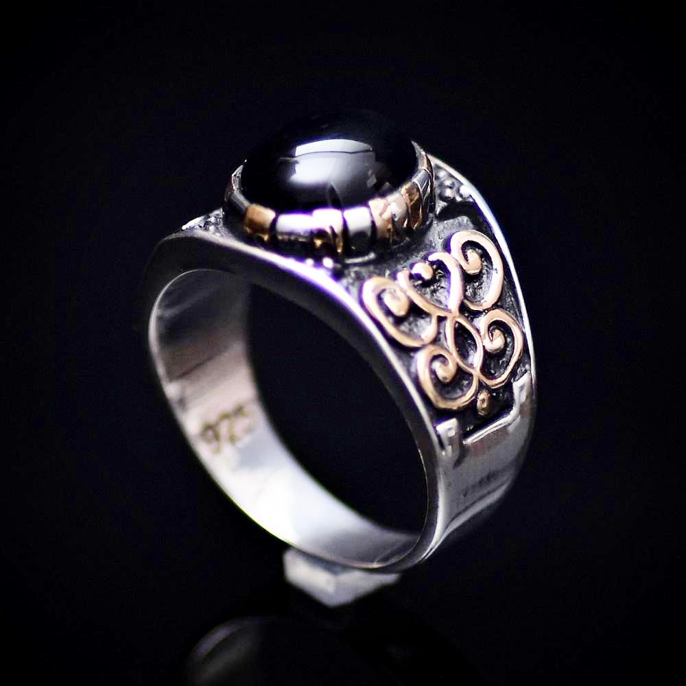 Affordable 925 Sterling Silver Ring With Motifs And Black Onyx Stone