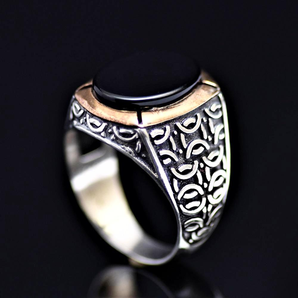 Black Onyx Stone Silver Ring Adorned With Engraved Geometrical Shapes