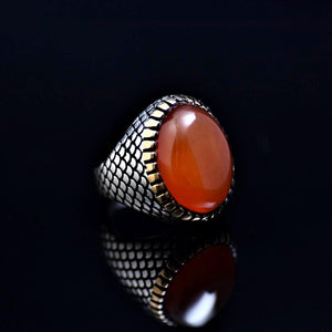 Fashionable Silver Ring Adorned With Agate Stone Left