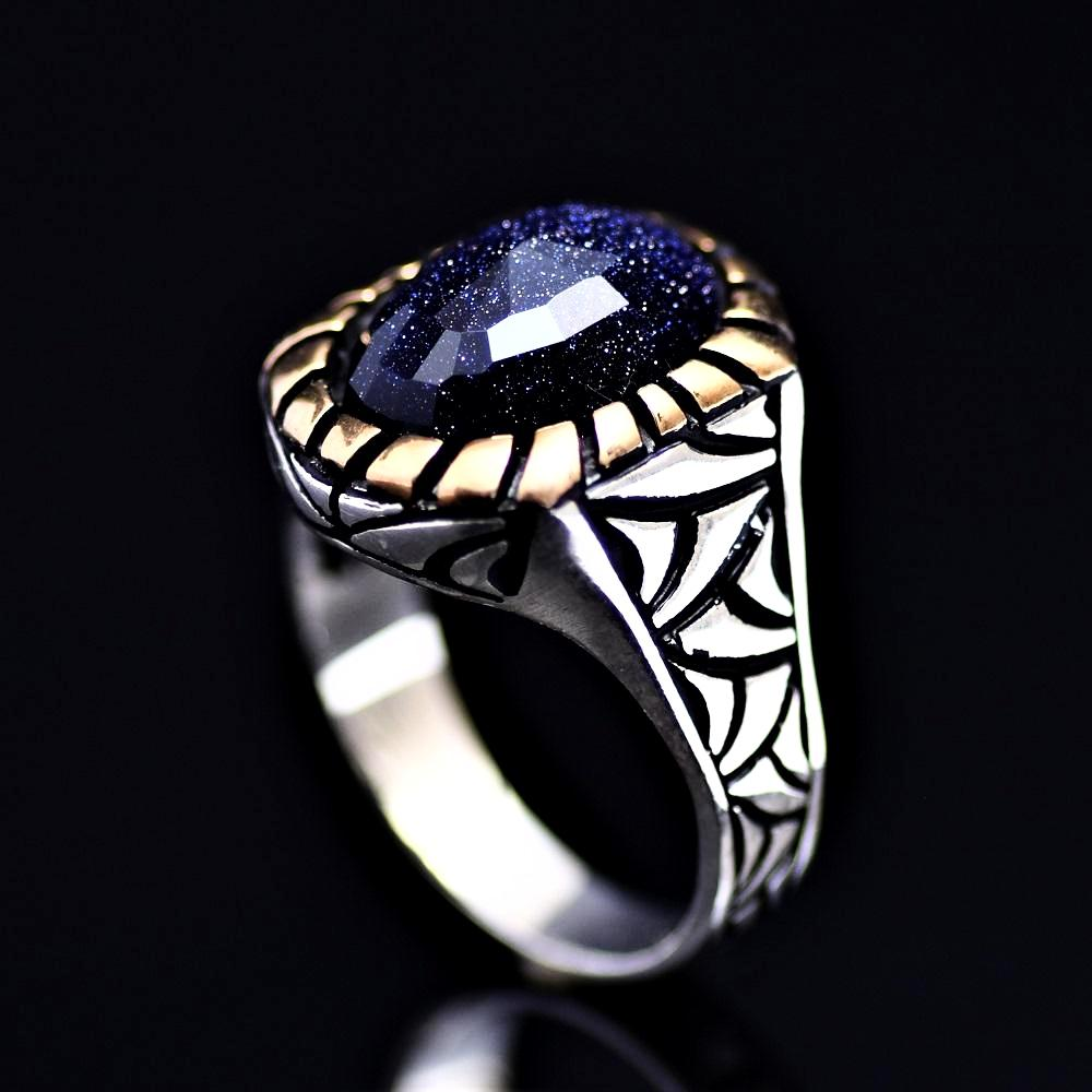 Gracious 925 Sterling Silver Ring Adorned With Blue Sandstone