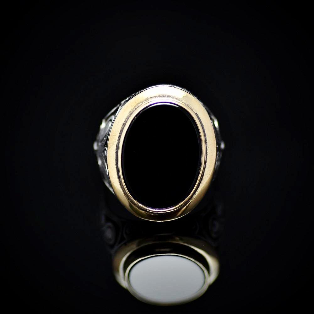 Gracious Sterling Silver Ring Adorned With Black Onyx Stone Front