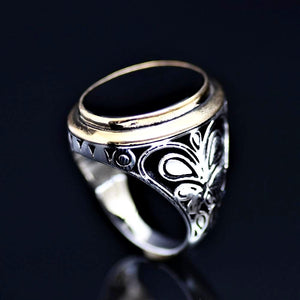 Gracious Sterling Silver Ring Adorned With Black Onyx Stone