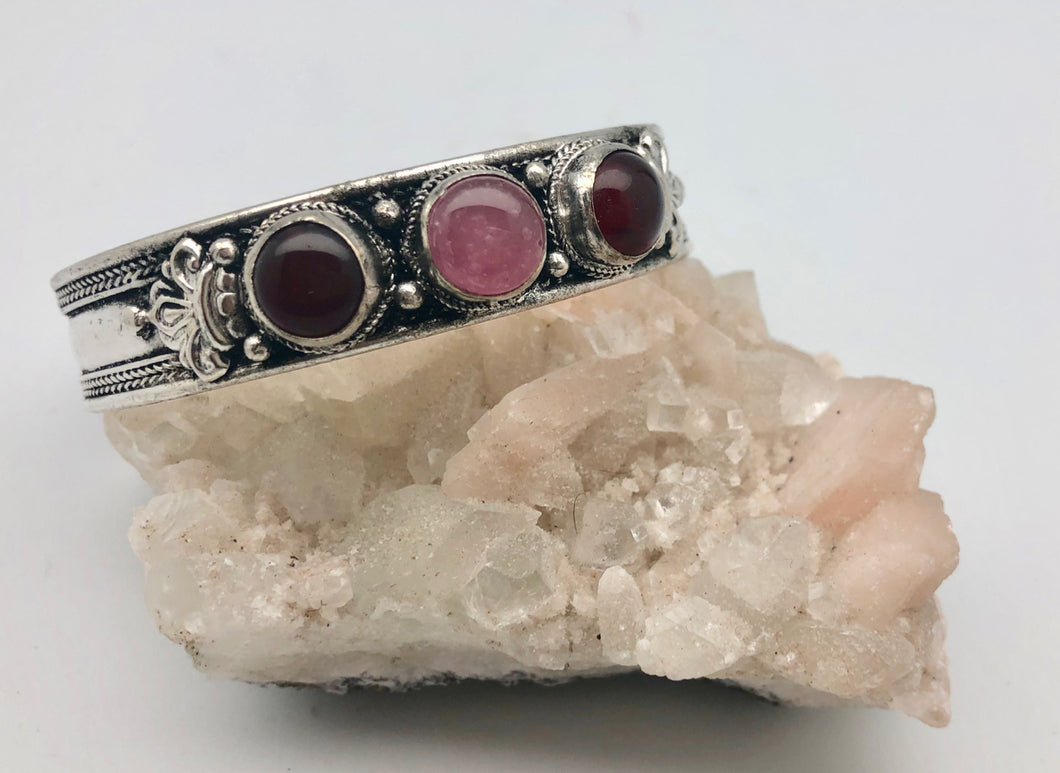 Modern Tibet Silver Cuff Bracelet with Garnet and Rose Quartz Cabochons