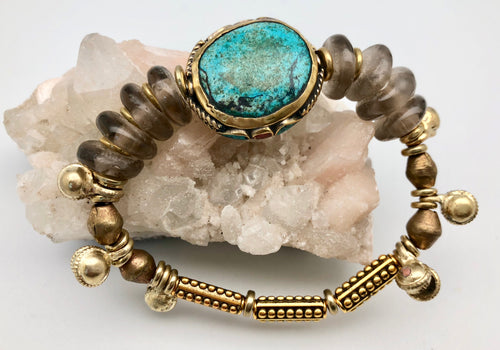 Vanessa Mooney Ocean Sky Turquoise Bead Bracelet with African Glass Beads