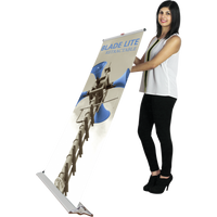 Blade Lite 920 Retractable Banner (Mid-Level) - FlywheelPromotions.com