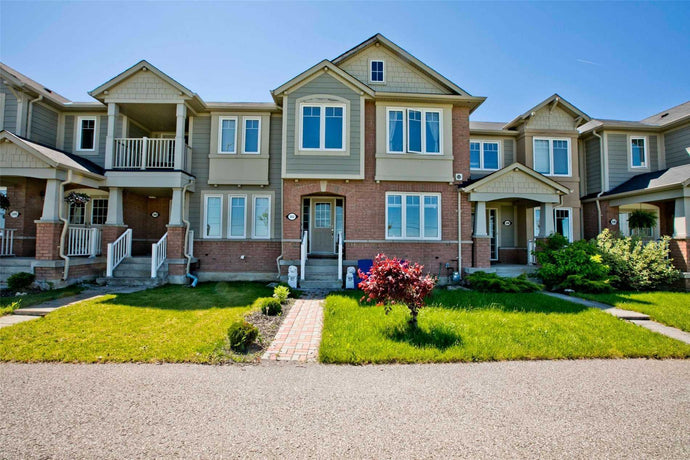 302 Gas Lamp Lane' Markham' Ontario L6B1L8 <br>MLS® Number: N4495430<br>For Sale: $729'000<br>Bedrooms: 3