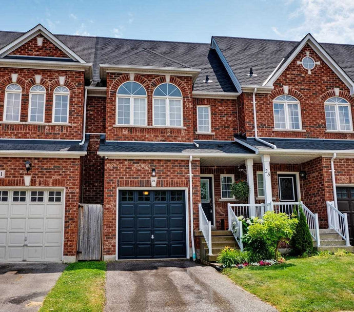 23 Stockton Crt' Whitby' Ontario L1R3N1 <br>MLS® Number: E4517071<br>For Sale: $539'900<br>Bedrooms: 3