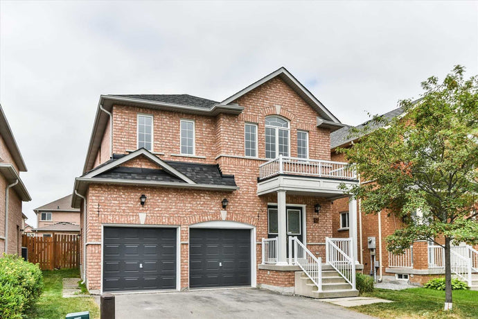 52 Devonwood Dr' Markham' Ontario L6C3E9 <br>MLS® Number: N4516737<br>For Sale: $999'000<br>Bedrooms: 4