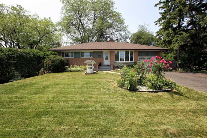84 Thickson Rd N' Whitby' Ontario L1N3R1 <br>MLS® Number: E4512876<br>For Sale: $549'000<br>Bedrooms: 3