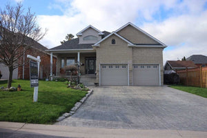 10 Otto Crt&sbquo; Whitby&sbquo; Ontario L1N9T4 <br>MLS® Number: E4478385<br>For Sale: $859&sbquo;900<br>Bedrooms: 3