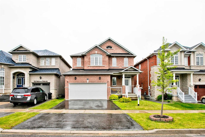12 Nevis Dr' Markham' Ontario L6B0B8 <br>MLS® Number: N4511467<br>For Sale: $949'800<br>Bedrooms: 3