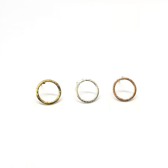 Tiny open circle stud earrings in gold/silver/rose gold