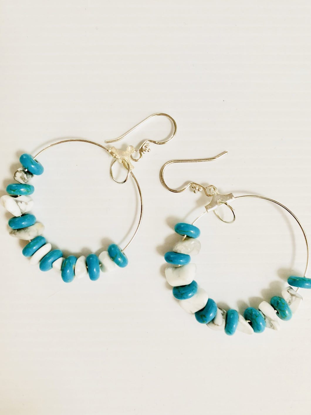 blue and white howlite chips earrings