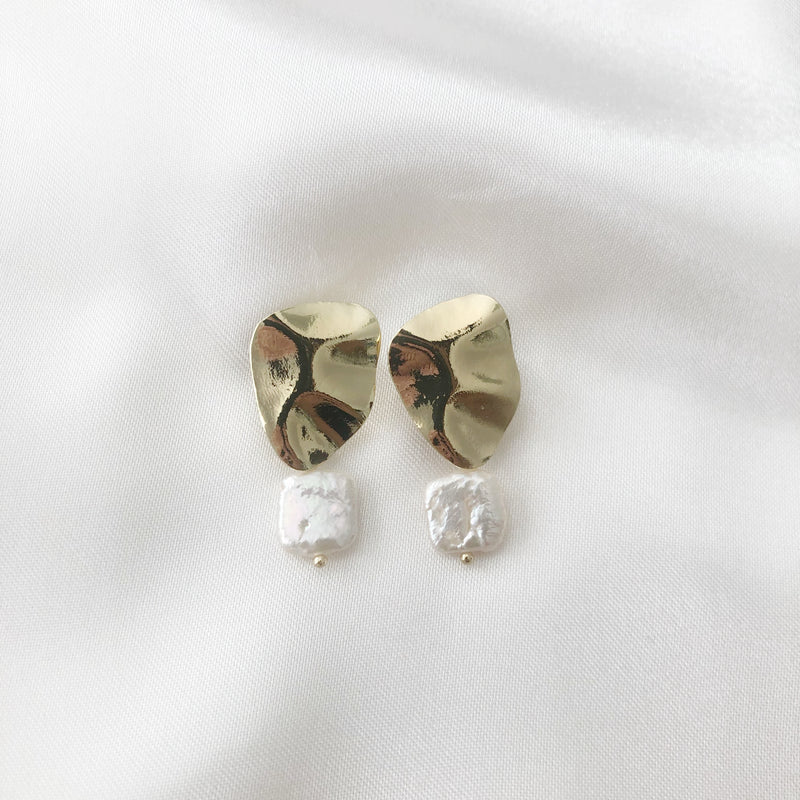 Boa Pearl Earrings