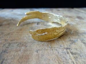 Driftwood Cuff Bracelet St Barths, Colombia Beach, Driftwood, 18kt Gold Cuff, Gold Bracelet, organic texture, sustainable fashion, made in NYC, made in the USA