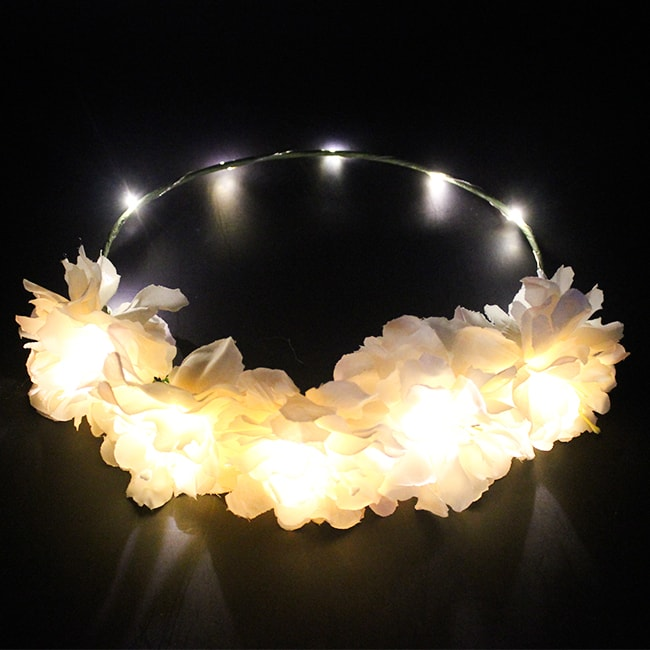 Light- Up White Flower Head Garland