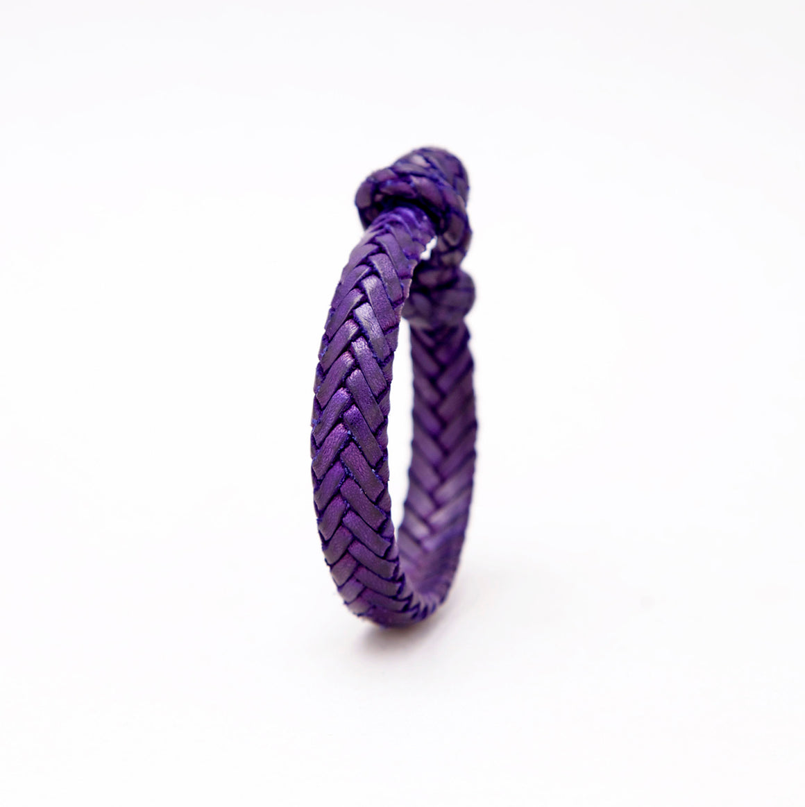 FLAT FISH BONE LEATHER BRACELET IN INDIGO