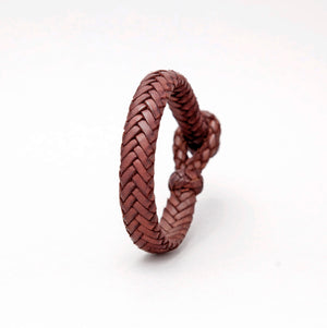 FLAT FISH BONE LEATHER BRACELET IN LIGHT BROWN