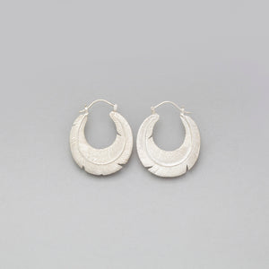 STERLING SILVER ROUNDED FEATHER HOOP EARRINGS