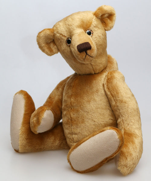 Hubert PRINTED jointed mohair teddy bear sewing pattern to make a traditional 19 inch/48cm mohair teddy bear by Barbara-Ann Bears. The Hubert pattern makes a sweet, old-fashioned Barbara-Ann jointed teddy bear who stands about 19 inches/48cm tall.